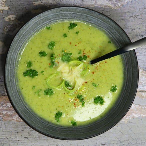 Cremet vegansk suppe med broccoli