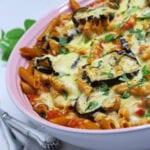Gratineret pasta med ovnbagte auberginer og mascarpone